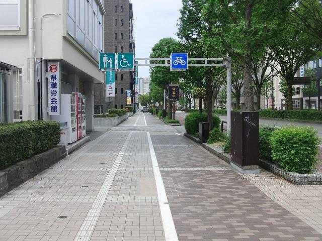 歩行者・自転車にも本当にやさしい富山市_f0141310_7153554.jpg
