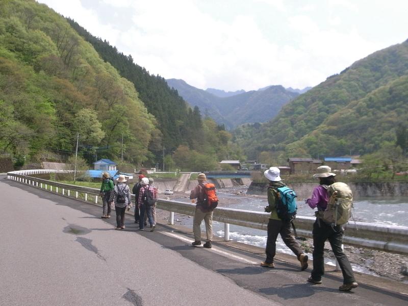 5月6日 野栗古道ハイキング 開催しました。が・・・_b0209774_18313361.jpg