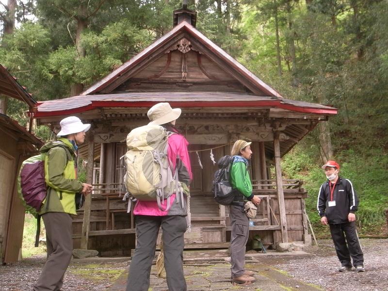5月6日 野栗古道ハイキング 開催しました。が・・・_b0209774_18525765.jpg