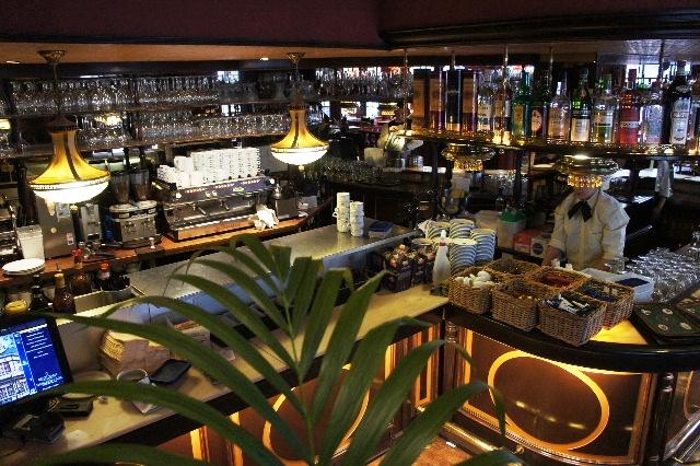 ベネルクスの旅の食事と酒 (5) 首都ブリュッセルのレストラン_c0011649_0364667.jpg