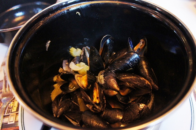 ベネルクスの旅の食事と酒 (5) 首都ブリュッセルのレストラン_c0011649_10556.jpg