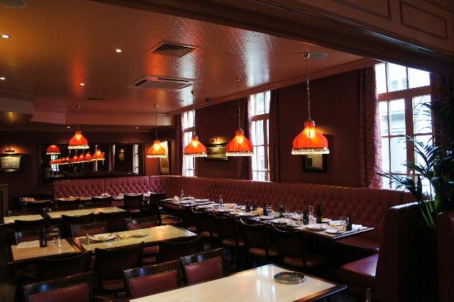 ベネルクスの旅の食事と酒 (5) 首都ブリュッセルのレストラン_c0011649_125624.jpg