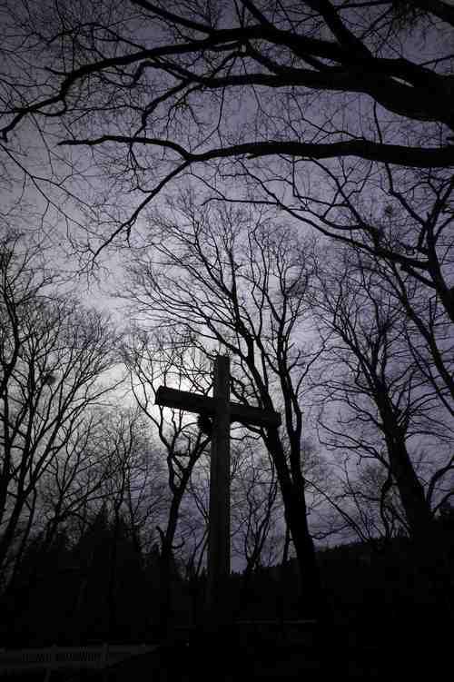 青森県にあるキリストの墓_b0062963_11211977.jpg