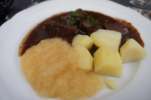 ベネルクスの旅の食事と酒 (6) ゲントでのカルボナードのランチ_c0011649_552331.jpg