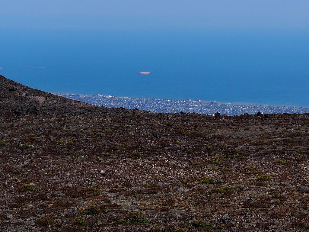 5月13日、風不死岳・樽前山西山-第3報-_f0138096_18255144.jpg