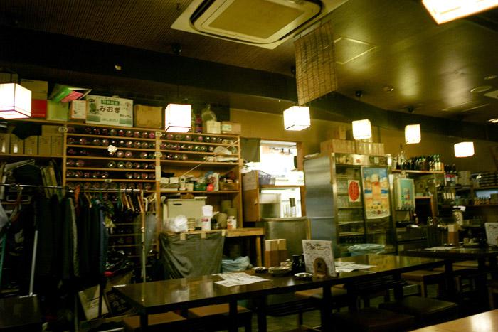 朝から、昼から、一日中飲める店。_a0271402_17451659.jpg