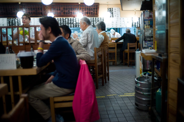 朝から、昼から、一日中飲める店。_a0271402_1758963.jpg