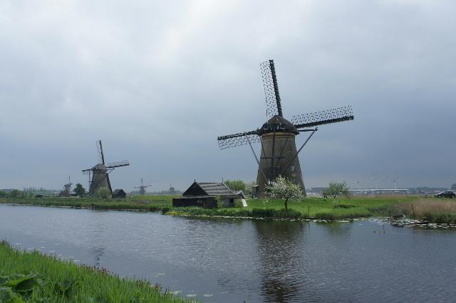 ベネルクスの旅の食事と酒 (9) 風車と陶器とアムステルダム_c0011649_22411878.jpg