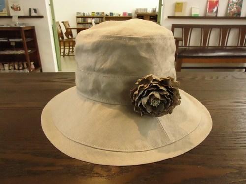 「初夏の装い 日傘と帽子と洋服と」 サンプル展示。_e0060555_23574226.jpg