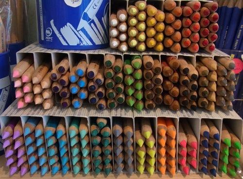 LYRA社ファルビー色鉛筆の廃番色について_a0121669_23193952.jpg