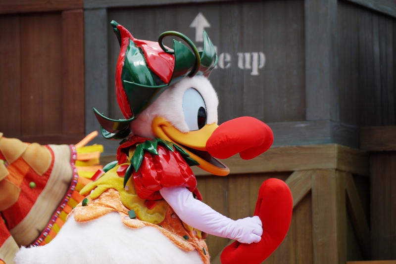 A Table is Waiting@Disney Sea_a0127090_21394215.jpg
