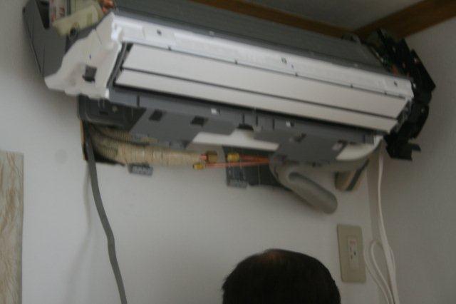 隠蔽配管エアコンと地デジアンテナ取付 その1(東京都世田谷区)_e0207151_2062415.jpg