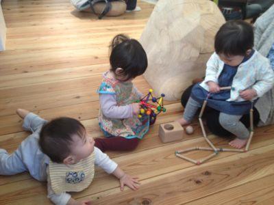 木のおもちゃがいっぱい_e0258469_975960.jpg