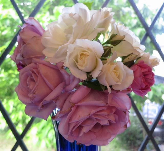 庭のバラ(フラワーアアレンジメント)_e0233674_883643.jpg