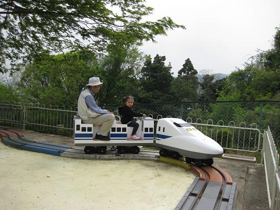 日本滞在記 30 貸切遊園地 & トイトレ2_b0167736_6453868.jpg