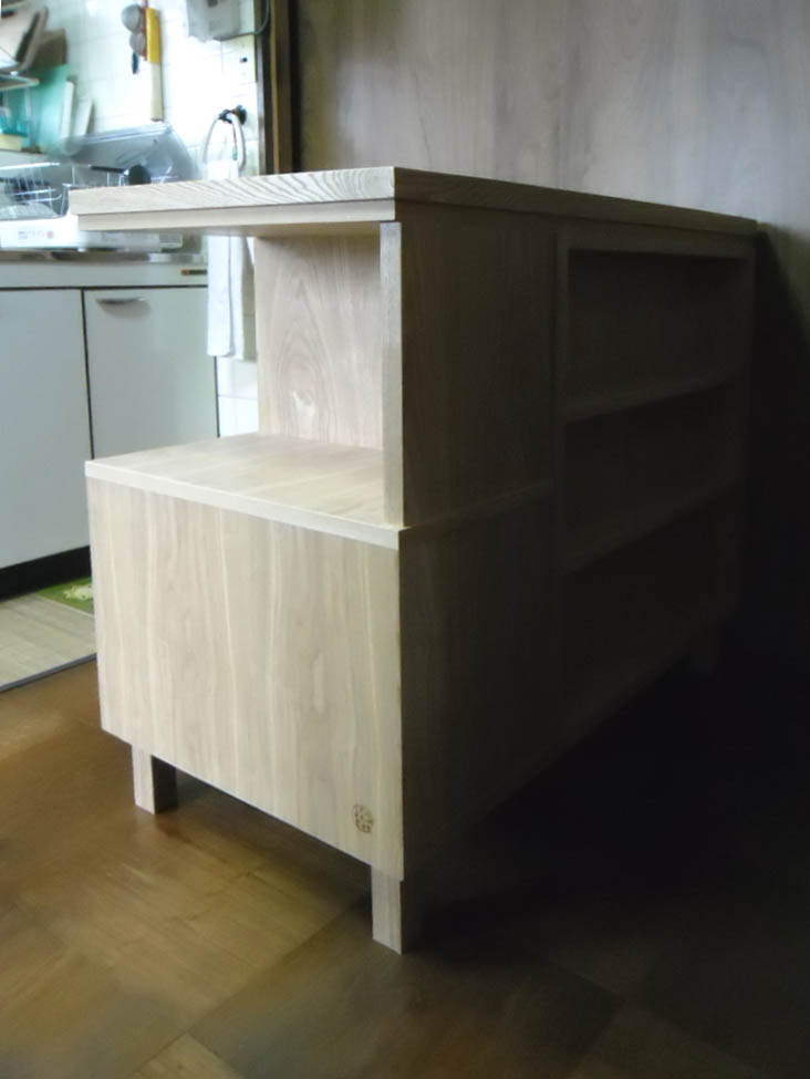 キッチンの整理家具_f0171785_1872687.jpg