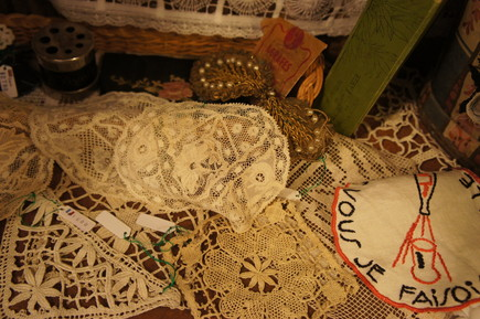 FRENCH LACE BOOK_f0144612_16532547.jpg