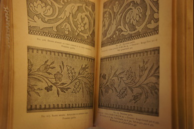 FRENCH LACE BOOK_f0144612_1654164.jpg