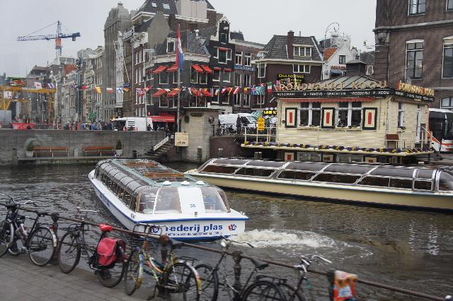 ベネルクスの旅の食事と酒 (11) アムステルダムで最後の晩餐_c0011649_7403084.jpg