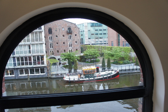ベネルクスの旅の食事と酒 (11) アムステルダムで最後の晩餐_c0011649_740847.jpg