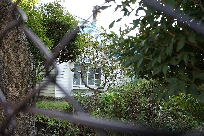 八紘学園栗林記念館_c0112559_1343575.jpg