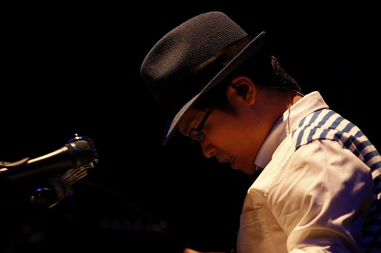 【フォトレポート】藤巻 亮太、秦 基博、さかいゆう出演『J-WAVE LIVE~SPRING!』_e0197970_10213724.jpg