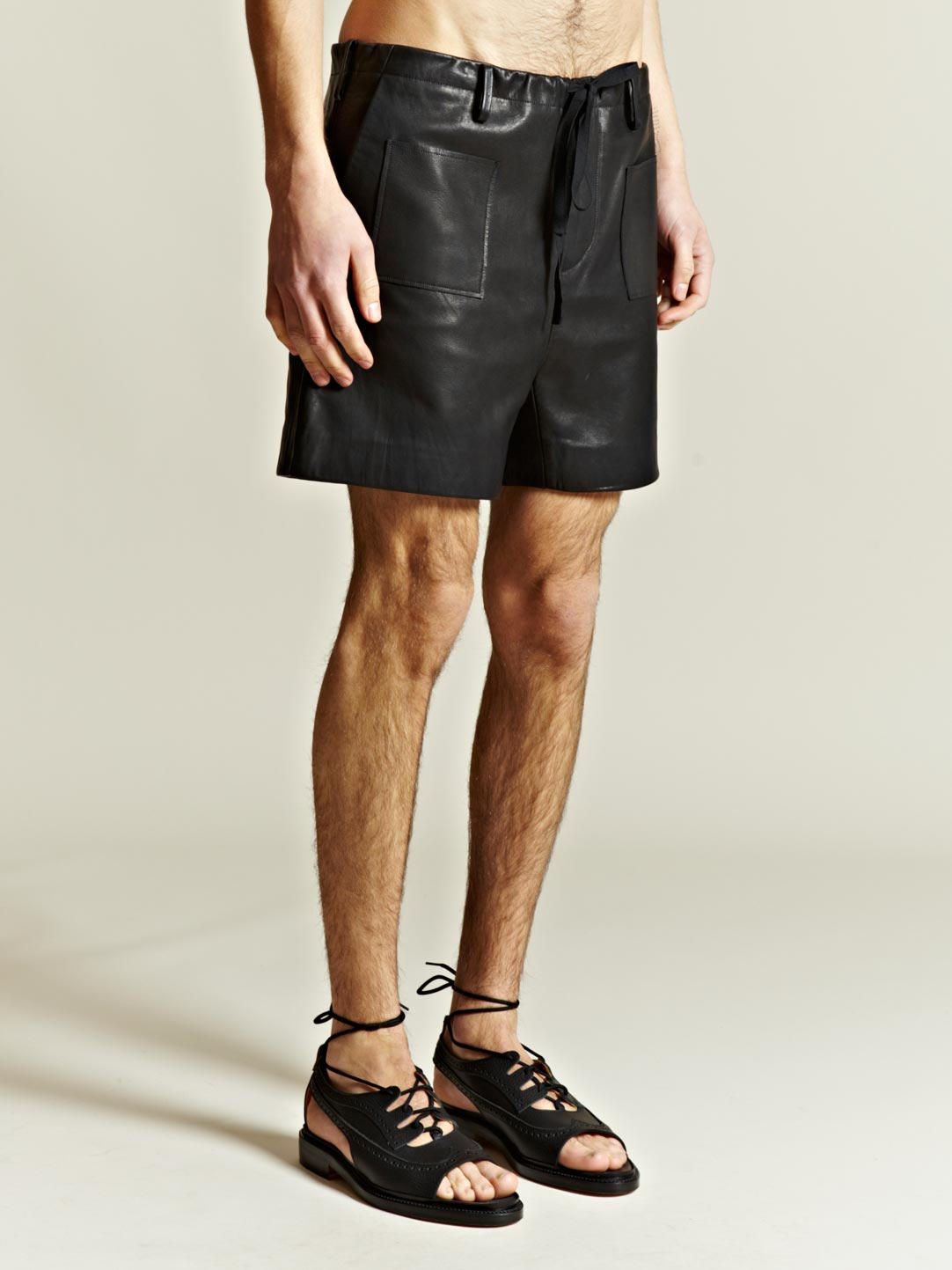 SUNSEA/COWHIDE LEATHER SHORTS & OPEN TOE BROGUES SHOES_f0170995_12564211.jpg