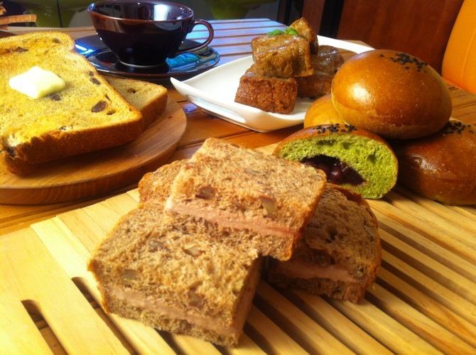 パンとホットケーキの撮影! & 娘のお土産_f0141419_558207.jpg