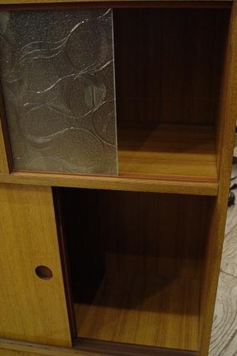 小ぶりな食器棚 70年代・日本製 入荷!!_a0096367_21125079.jpg