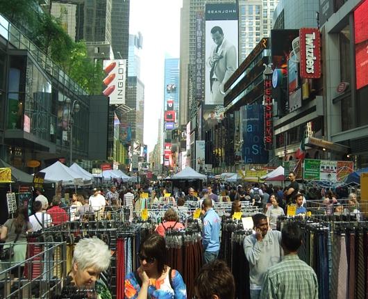 今年もニューヨークにストリート・フェアの季節がやってきました_b0007805_605488.jpg