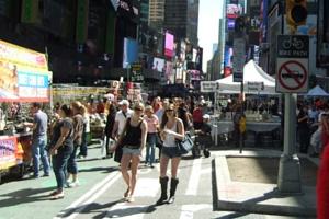 今年もニューヨークにストリート・フェアの季節がやってきました_b0007805_61974.jpg