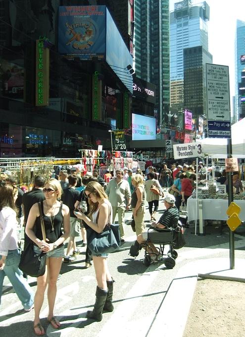 今年もニューヨークにストリート・フェアの季節がやってきました_b0007805_63397.jpg