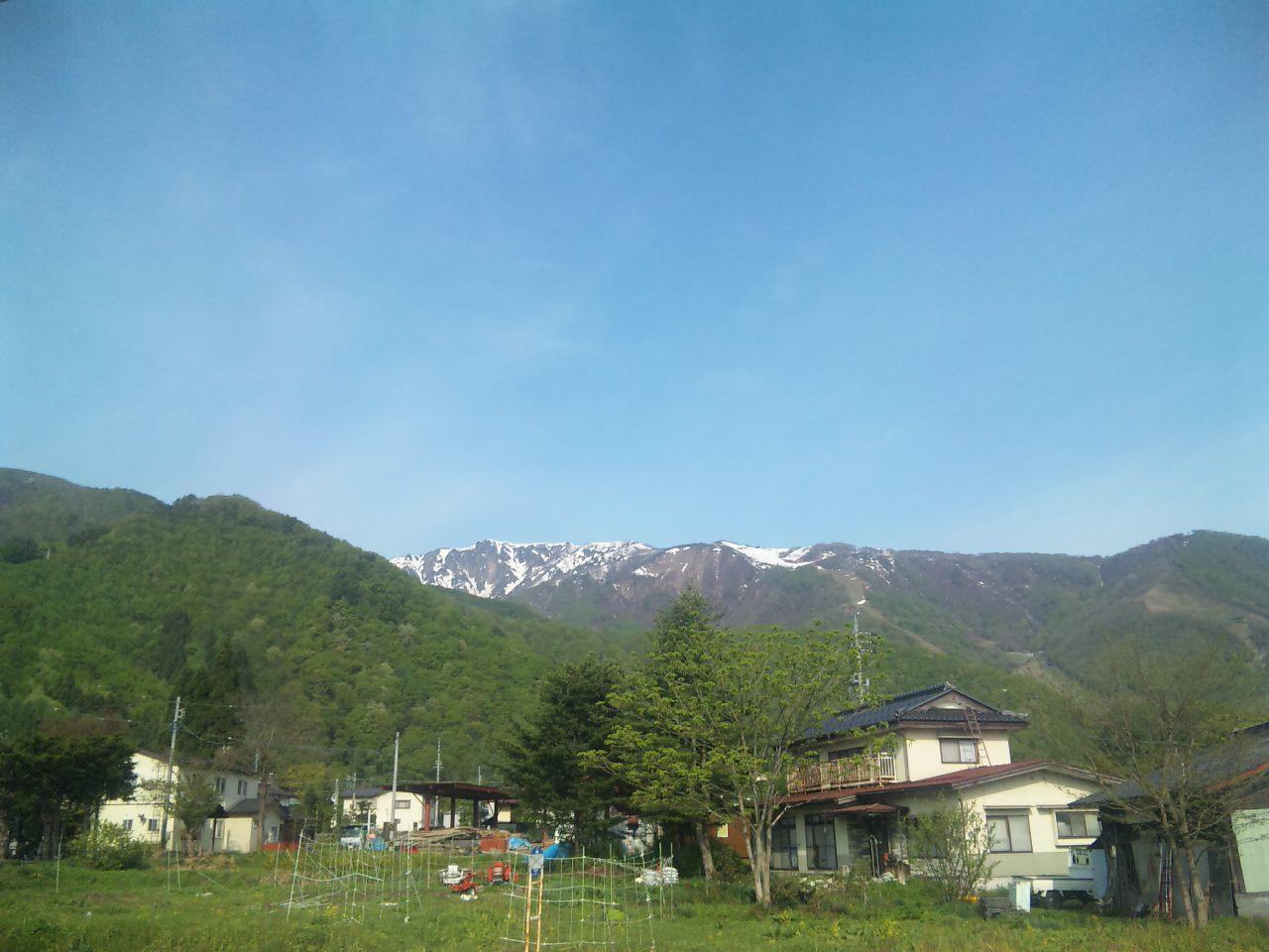バスを待ちながら~信州・白馬の朝~_a0103940_7565826.jpg