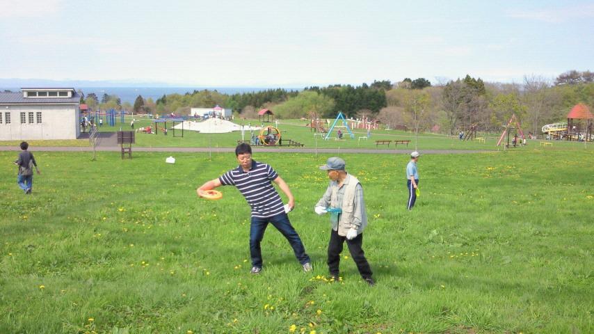 ディスクゴルフ体験会を実施_e0270550_1445958.jpg