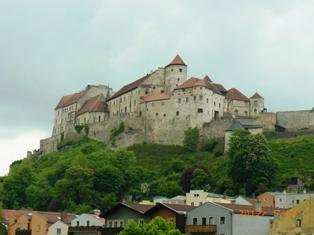 Burghausen オーストリア側から見るブルクハウゼン_e0195766_20215176.jpg
