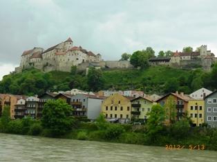 Burghausen オーストリア側から見るブルクハウゼン_e0195766_20221819.jpg