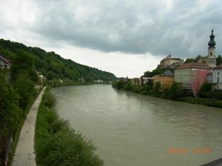 Burghausen オーストリア側から見るブルクハウゼン_e0195766_2022383.jpg