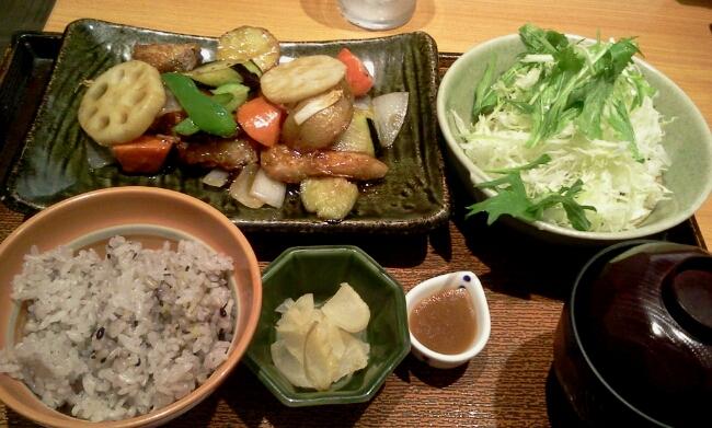 真だらと野菜の黒酢あんかけ定食@大戸屋_c0212604_226484.jpg