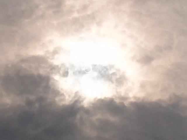 金環日食   5月21日 [月]_e0018604_18261637.jpg