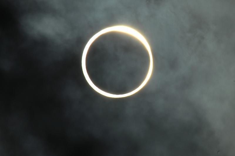 Gold ring solar eclipse_a0159215_10405020.jpg
