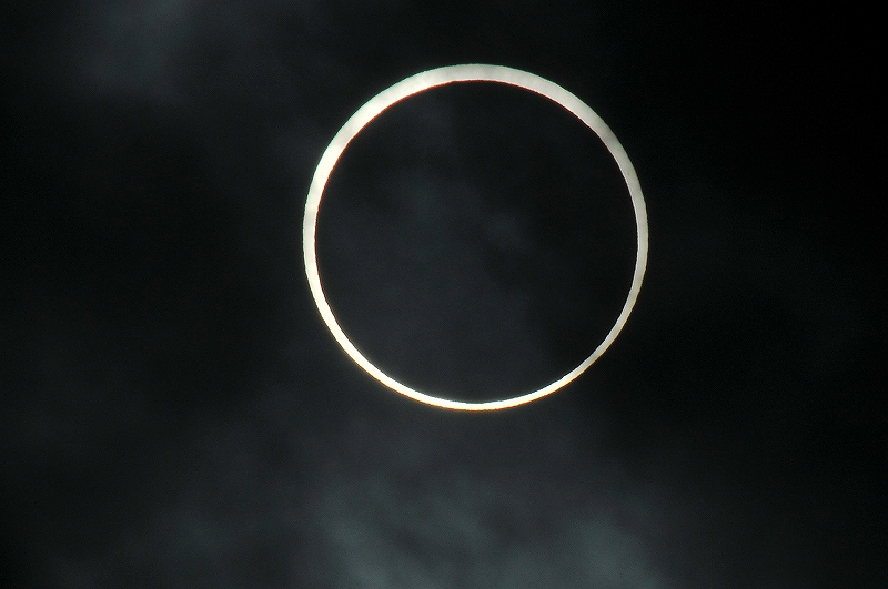 Gold ring solar eclipse_a0159215_10413411.jpg