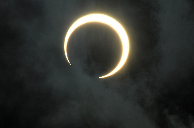 Gold ring solar eclipse_a0159215_10414631.jpg