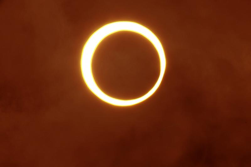 Gold ring solar eclipse_a0159215_12555513.jpg