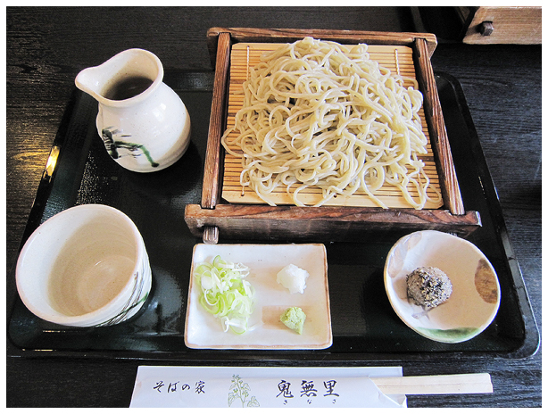 富士とお蕎麦と新緑と_c0042324_12362054.jpg
