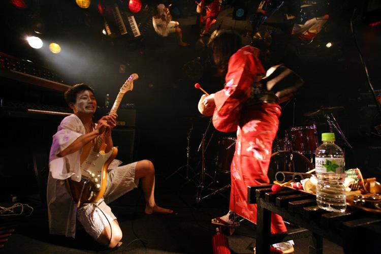 金屬惠比須ライヴ2012(その14) ヱビス対ヰナマス!!_c0112245_23303761.jpg