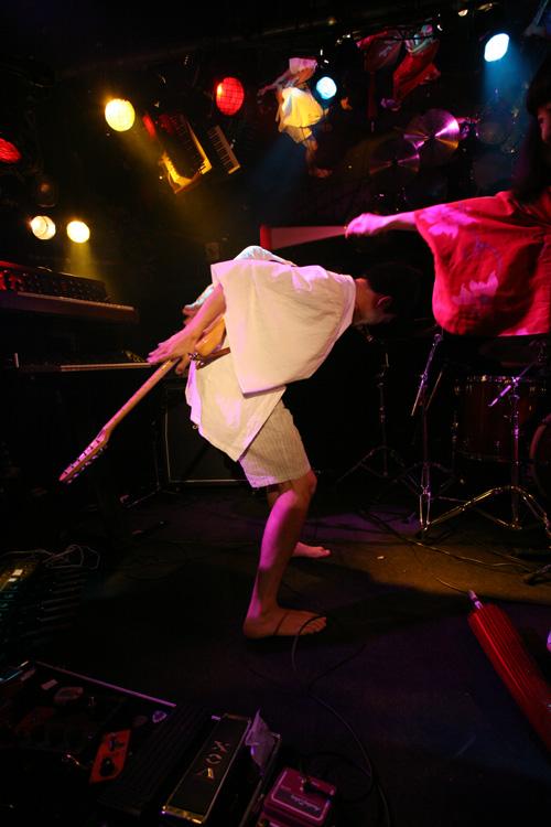 金屬惠比須ライヴ2012(その14) ヱビス対ヰナマス!!_c0112245_23315683.jpg
