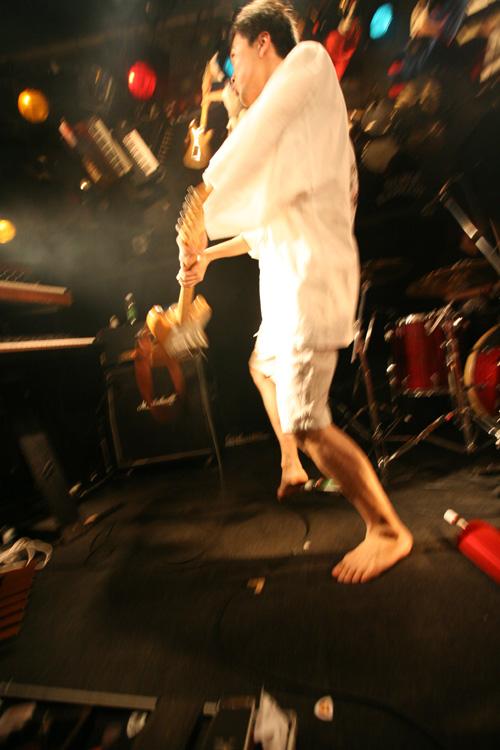 金屬惠比須ライヴ2012(その14) ヱビス対ヰナマス!!_c0112245_23321495.jpg