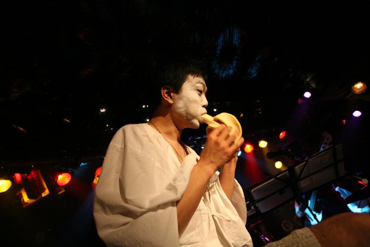 金屬惠比須ライヴ2012(その14) ヱビス対ヰナマス!!_c0112245_233306.jpg