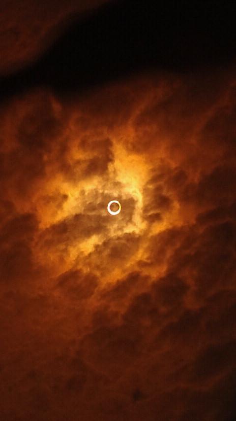 金環日食!&先生達練習_e0040673_21425428.jpg