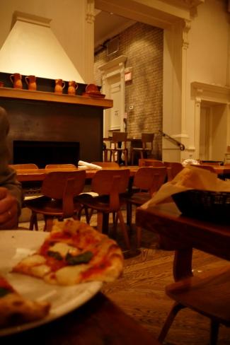 ピザとパスタのTERRONI@トロント_d0129786_13471833.jpg